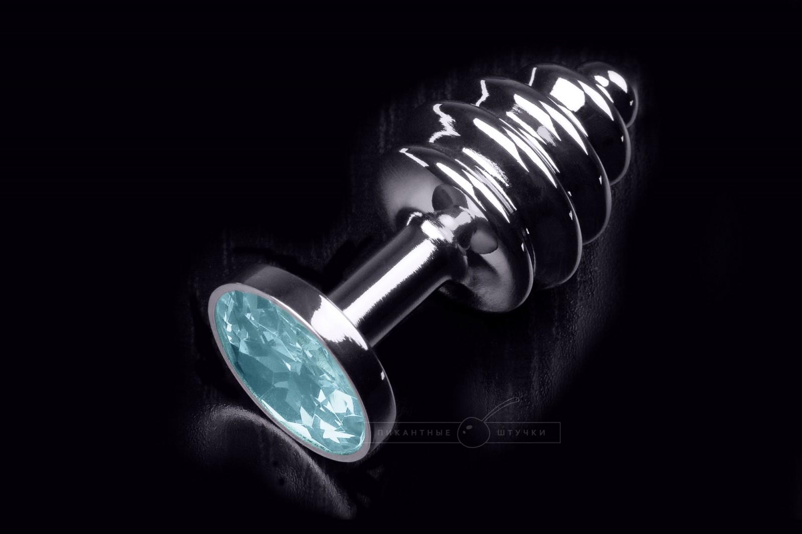 Малая серебристая витая анальная пробка с кристаллом, голубым