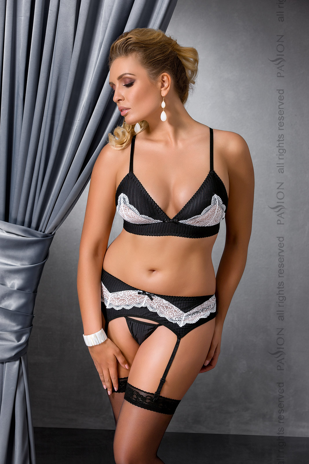 Женский сексуальный комплект Passion CAMILLE SET, черный, 6XL/7XL