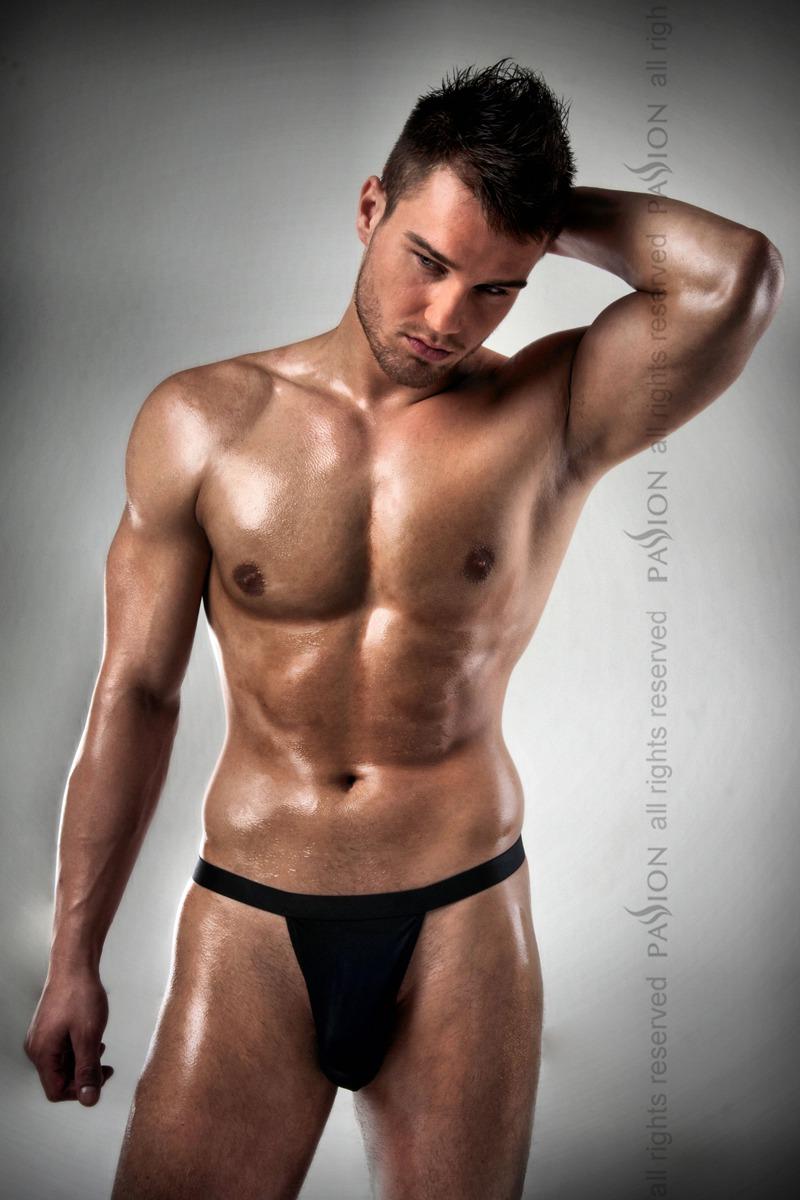 Красивые мужские стринги Passion 005 THONG, черные, XXL/XXXL