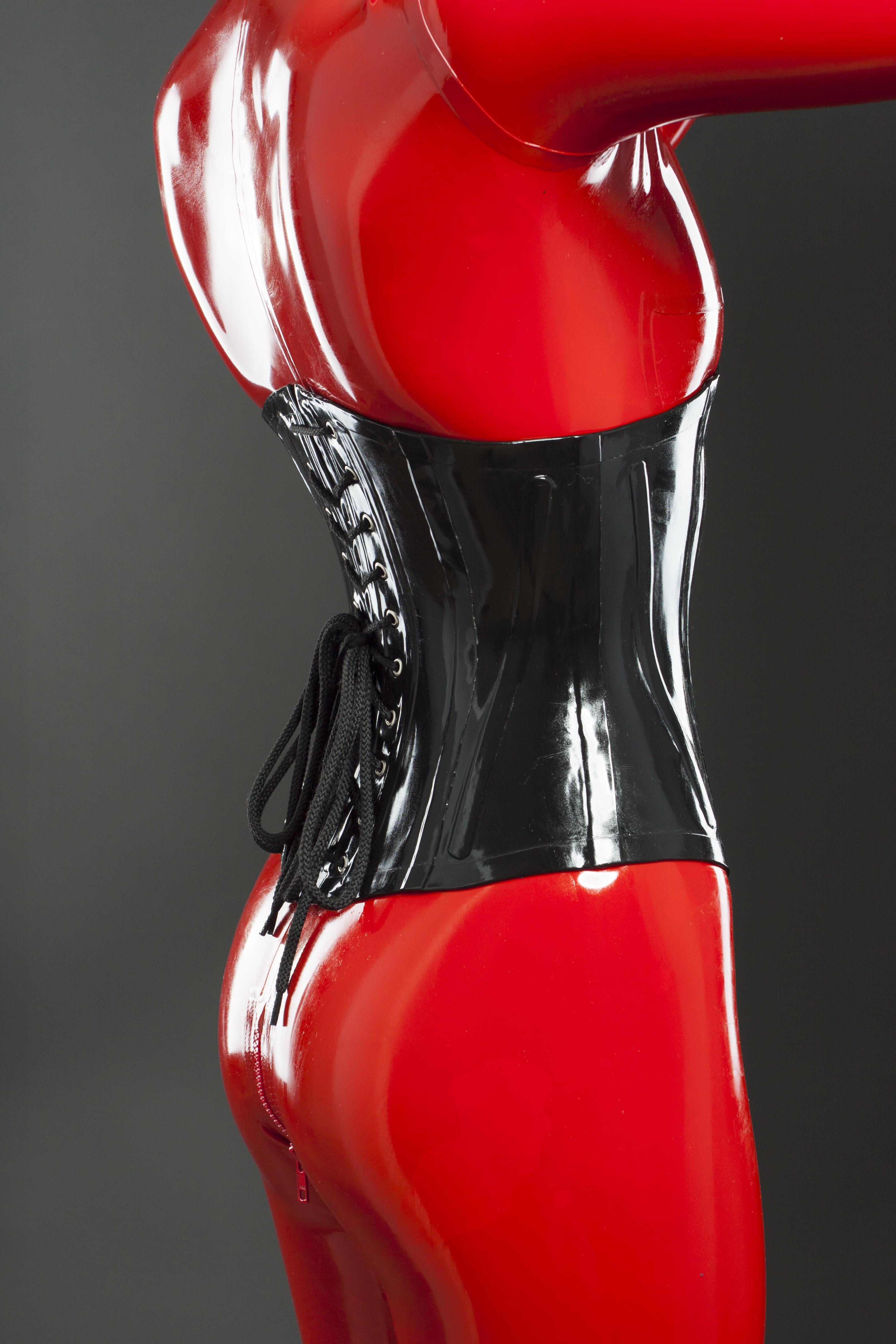 Утягивающий латексный корсет с бюском спереди Latex Corset