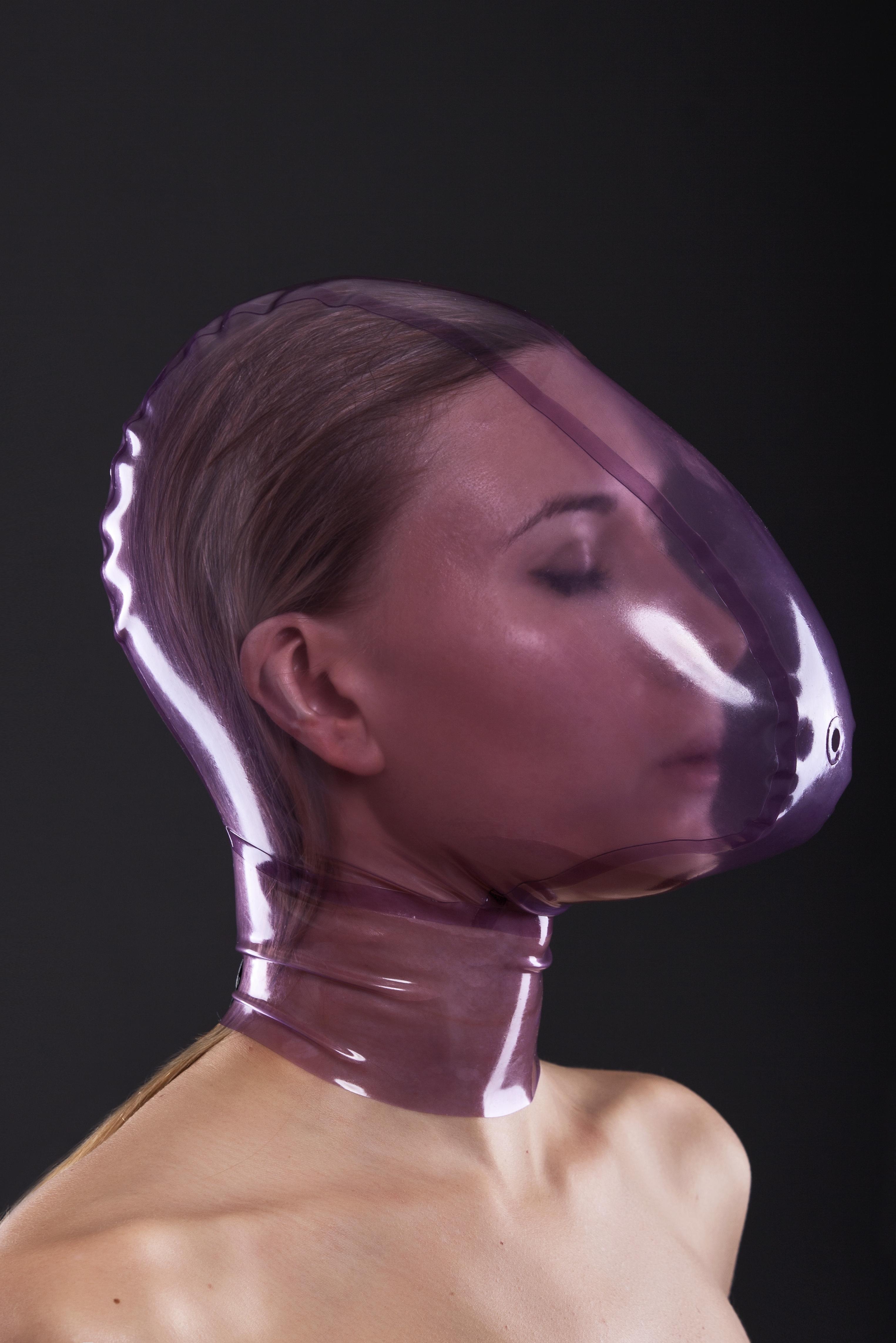 Маска из латекса с маленьким отверстием для контроля за дыханием Latex Mask With Breath Control Hole